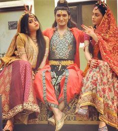 Never let the kid inside you die❤️ Radha Krishna Holi, Radhe Krishna, Cute Krishna, Happy Friendship Day, Goddess Art, Krishna Photos, Actress Pics, Star Cast, Sari