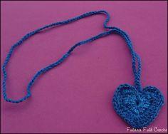 Colar coração de croche