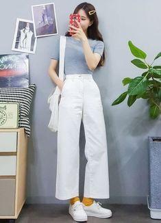 Fashion design clothes girls 41 new ideas korean fashion Ulzzang Girl Fashion, Korean Girl Fashion, Korean Fashion Trends, Korean Street Fashion, Korea Fashion, Asian Fashion, Look Fashion, 90s Fashion, Fashion Outfits