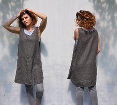 Linen full bbq apron with pockets / Japan linen home and work tunic smock / No ties garden linen apron dress by LinenDi on Etsy https://www.etsy.com/listing/281541156/linen-full-bbq-apron-with-pockets-japan