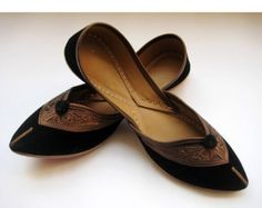 This listing is for Black Flats/Ethnic Shoes/Velvet Shoes/Copper Shoes/Handmade Indian Designer Women Shoes or Slippers/Maharaja Style Women Jooties Black Ballet Flats, Black Flats, Most Comfortable Ballet Flats, Copper Shoes, Indian Shoes, Shoes 2015, Velvet Shoes, Colorful Shoes, Velvet Fashion