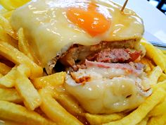 Francesinha, the amazing Oporto traditional sandwich