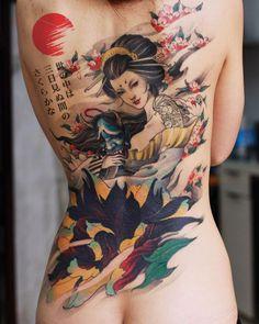 Tatuaje japonés espalda de mujer