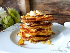 Pannekaker med banan og peanøttsmør - Fra mitt kjøkken Pancakes, French Toast, Breakfast, Desserts, Food, Baking Soda, Morning Coffee, Tailgate Desserts, Deserts