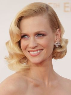 The best hairstyles at the 2013 Emmy Awards - January Jones Curled Hairstyles For Medium Hair, Medium Hair Cuts, Medium Hair Styles, Short Hair Styles, Haircut Medium, 1940s Hairstyles, Celebrity Hairstyles, Messy Hairstyles, Wedding Hairstyles