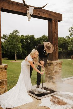 Country Wedding Photos, Country Barn Weddings, Country Style Wedding, Wedding Pictures, Western Weddings, Cowboy Weddings, Cute Wedding Ideas, Wedding Goals, Dream Wedding