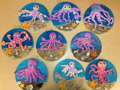 Clay octopus on wood w/sand-elementary art(art teacher: v. Do this with grade.it practices coils, spheres and slabs! Use a clay slab for the base. Clay for eyes? 3d Art Projects, Ceramics Projects, Sand Projects, Arte Elemental, Classe D'art, Kids Clay, Sea Crafts, Kindergarten Art, Art Lessons Elementary
