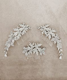 Discover the bridal headpieces with flowers or gemstones that Pronovias has designed for you. Discover the bridal accessories collection here. Dream Wedding, Wedding Day, Wedding Dress, Bridal Elegance, Hair Ornaments, Bride Hairstyles, Bridal Accessories, Headpiece, Headbands
