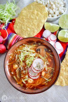 Vegetarian Pozole - FYI I hope you can read Spanish Vegetarian Soup, Vegetarian Recipes, Healthy Recipes, Vegan Soup, Healthy Meals, Pork Recipes, Veggie Recipes, Cooking Recipes, Recipies