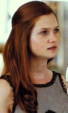 Ginny Weasley (Deathly Hallows part Ginny Weasley, Weasley Harry Potter, Harry Potter Girl, Harry Potter Icons, Harry Potter Cast, Harry Potter Characters, Hermione Granger, Female Characters, Bonnie Francesca Wright