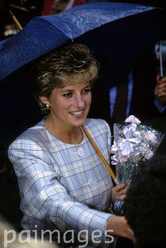 Princess Diana 1993,12 may..visiting the HIV/AIDs Respite center in Bodmin,Cornwall..