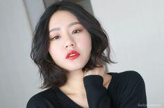 Simple Gradient Eye Makeup Using Only 2 Eyeshadows / Tutorial