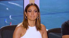 El bochornoso momento en que presentador de los Grammy se olvida de que Juan Gabriel está muerto