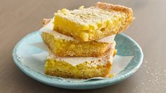 See why hundreds of bakers have made this recipe their go-to lemon bar recipe! Refrigerated Pillsbury™ sugar cookies made quick work of the crust, saving you time but not sacrificing on taste. Plus, the delicious homemade filling made with fresh lemon juice and grated lemon peel comes together in minutes.