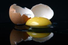 Be Still, Still Life, Broken Egg, Cracked Egg, Egg And I, Egg Art, Smart People, Food Photography, Eggs