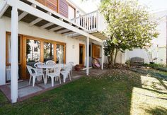 """Entertain guests in the beautiful garden, enjoy a traditional South African """"braai"""""""