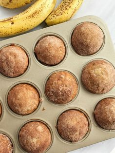 Cinnamon banana bread muffins taste like banana bread in muffin form! They are perfectly light and moist, loaded with banana flavor, and bake up beautifully each time. Topped in butter and a sweet cinnamon crumble. Cinnamon Banana Bread, Cinnamon Crumble, Banana Bread Muffins, Cinnamon Butter, Cinnamon Muffins, Thermomix Banana Muffins, Oatmeal Muffins, Cinnamon Rolls, Banana Bread Recipes