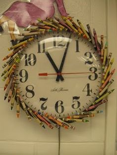 Crayon clock for the art room. Crayons? Check. Hot Glue? Check. Clock? Check. I can do this!