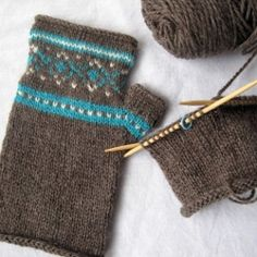 Fair Isle fingerless gloves for a Fair Isle novice    Download PFD here: http://blueskyalpacas.com/patterns/sporty-mitts-free-pattern/