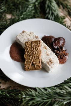 Simple speculoos parfait with punch plums {Christmas .- Speculoos parfait with punch plums Desserts Végétaliens, Italian Desserts, Parfait Desserts, Christmas Drinks, Christmas Desserts, Simple Christmas, Christmas Wreaths, Christmas Gifts, Xmas