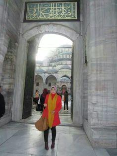 #fasion #hijabfashion #cottoninkbag #istanbulbag #turkishstyle #cachecachecoat #zarashawl #zaraboots