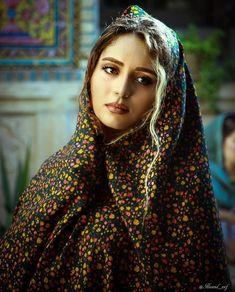 Beautiful Muslim Women, Beautiful Hijab, Beautiful Asian Girls, Gorgeous Women, Beautiful Pictures, Iran Girls, Iranian Beauty, Persian Beauties, Persian Girls
