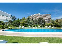 Appartement à vendre dans résidence de luxe à Cannes. A seulement 2 minutes de la fameuse Croisette, la « Résidence Saint-Michel Valetta » est située dans le quartier de la Californie à Cannes.  #CotedAzurFrance #Cannes #Appartement