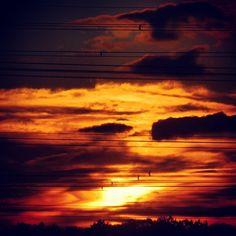 Mooie zonsondergang boven Gezondheidspark Hengelo en waterpark Genseler #sunset #sunlovers #skylovers #sky #clouds - @marcel_tettero- #webstagram