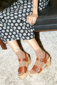 Eleanor Clog on Platform in Maple