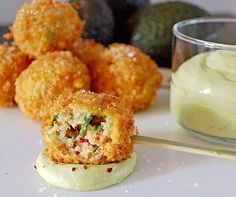 Lobster Beignets with avocado mousse Seafood Recipes, Appetizer Recipes, Appetizers, Cooking Recipes, Healthy Recipes, Fingers Food, Confort Food, Good Food, Yummy Food