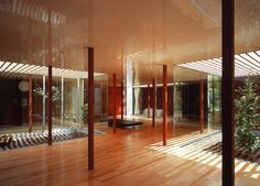Ryue Nishizawa - Weekend House for the Architect Usui-Gun 1998 Gunma, Patio Interior, Interior And Exterior, Tokyo Architecture, Light Architecture, Ryue Nishizawa, Casa Patio, Weekend House, Indoor Outdoor Living