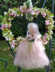 Romantic fairy felted wool in soft colors in pastel pink and green tones. Ballerina Nursery, Felt Angel, Egg Carton Crafts, Felt Fairy, Angel Ornaments, Flower Fairies, Waldorf Dolls, Fairy Dolls, Felt Dolls