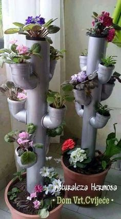You have a small garden but do not know how to decorate. Only with a few steps and re-purposed stuff you can create a beautiful flower tower. These Beautiful DIY Flower Tower Ideas are perfect ways to brighten up your yard. Diy Garden, Garden Crafts, Garden Planters, Garden Projects, Garden Kids, Diy Planters, Pvc Pipe Garden Ideas, Pvc Pipe Projects, Spring Garden