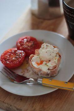 Caixinhas de Fiambre com Ovo e Tomate Assado