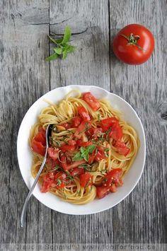 http://www.foolforfood.de/index.php/pasta/rezept-spaghetti-tomaten-basilikum-ruhlman