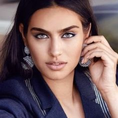 Amine Gülşe - Miss Turkey 2014