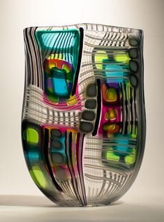 A glass master. May be too busy for a vase I'd love, but I admired his artistry in creating all the patterns. Glass Vessel, Mosaic Glass, Fused Glass, Stained Glass, Art Of Glass, Blown Glass Art, Glass Paperweights, Glass Collection, Glass Design