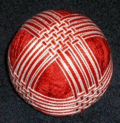Kathy G's interlocked bands :: temarichallenge, yahoo groups Japanese Design, Japanese Art, Temari Patterns, Crochet Wool, Flower Ball, Thread Art, Christmas Centerpieces, Fabric Scraps, Decoration