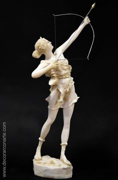 Figura de Artemisa con Arco. 66x32x19 cm. Greek God Sculptures, Famous Sculptures, Female Centaur, Female Art, Potnia Theron, Apollo Statue, Artemis Goddess, Greek Statues, Roman Sculpture
