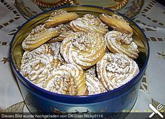 Walnuss – Plätzchen Walnut cookies, a very nice recipe from the category biscuits & cookies. Biscuit Cookies, No Bake Cookies, No Bake Cake, Cake Cookies, Cupcakes, German Christmas Cookies, Christmas Baking, Baking Recipes, Cookie Recipes