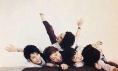 arashi Johnny's Web, Ninomiya Kazunari, Japanese Boy, Dream Team, Boys Who, My Sunshine, Music Artists, Boy Bands, Make Me Smile