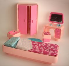 I remember having the bed and wardrobe 1980s Barbie, Barbie I, Vintage Barbie Dolls, Barbie World, Barbie And Ken, Barbie Stuff, 1980s Childhood, My Childhood Memories, Sweet Memories