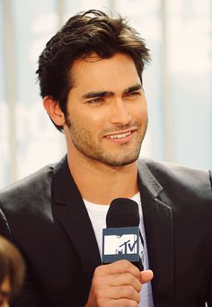 Tyler Hoechlin. your beauty makes me want to claw my face off.