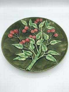 Précieuse assiette céramique XIXe siècle barbotine faïence assiette murale décorative collection vintage assiette dépareillée plat gâteau de la boutique LesInsolitesdeNini sur Etsy