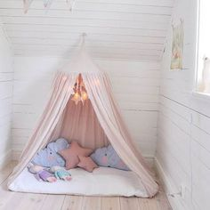 This is perfect for a childs room!  : mariasvitaboo
