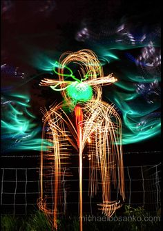Welsh light artist Michael Bosanko has copied masterpieces by artists from Da Vinci, Van Gogh and Magritte through to Banksy using just a torch and a camera on long exposure. Narrative Photography, Photography Brochure, World Famous Paintings, Famous Artwork, Photographing The Moon, Appropriation Art, Lights Artist, The Son Of Man, World Pictures