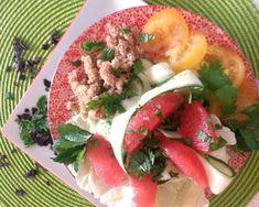 4 pers Préparation: 20' Cuisson: 0 Ingrédients: 2 pamplemousses roses ½ concombre 2 avocats (facultatif) 2 tomates jaunes 150g céréale (boulgour quinoa /riz) 1 cœur de laitue Brins de persil plat et/ou coriandre fraîche/ menthe ou ciboulette 3cs d'huile d'olive 1 citron Sel & poivre Préparation: Eplucher les pamplemousses à vif, détailler les grumes sans […]                                                                                                                    ...
