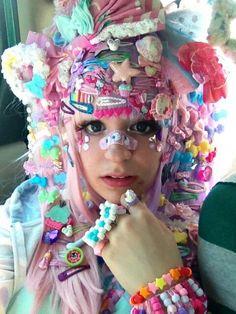 The level of decora I'm doing for zenkaikon today is literally ridiculous Estilo Goth Pastel, Pastel Punk, Pastel Goth Fashion, Kawaii Fashion, Lolita Fashion, Colorful Fashion, Cute Fashion, Fashion Fashion, Fashion Outfits