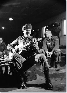 elvis-presley-grafenwoehr-germany-november-28-1958-4