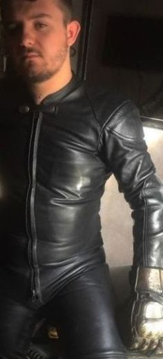 Men's Leather Jackets: How To Choose The One For You. A leather coat is a must for each guy's closet and is likewise an excellent method to express his individual design. Leather jackets never head out of styl Leather Jeans, Biker Leather, Black Leather, Leather Jackets, Motorcycle Leather, Motorbike Leathers, Biker Gear, Revival Clothing, Man Set